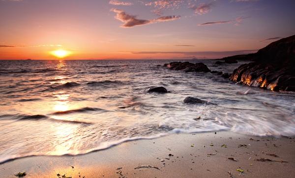 Low tide by treblecel