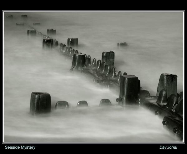 Seaside Mystery by davart