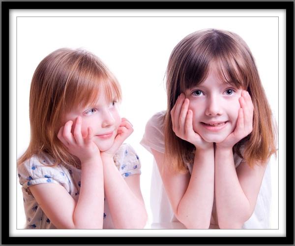 Sisters by sparklep