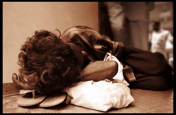 sleeping begger by nashidt