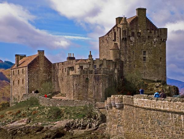 Eilean Donan Castle - Monday the 26th April 2010 by Sasanach