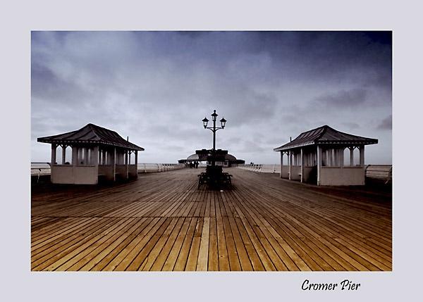 Cromer Pier by bumbleb3