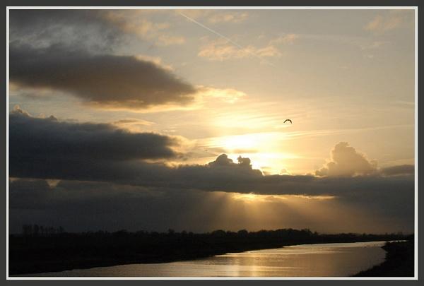 Fenland sunset by glassmaker