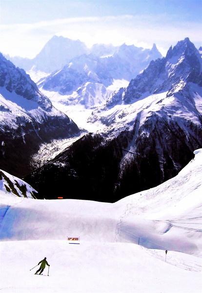 Lone Skier 2 by PaulLiley