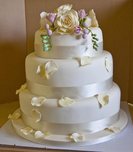 Wedding Cake by PeBo
