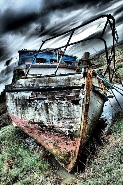 Derelict by PaulSR
