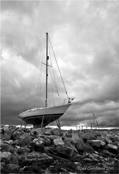 Boat at Limekilns by RoddBC