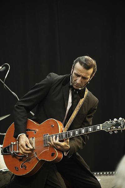Guitar Man by Nikon_Tog