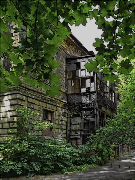 Childhood home by IgorDrankin