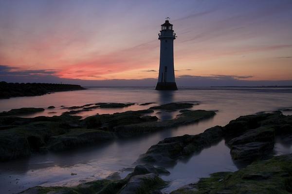 lighthouse at 10pm by razorraymac