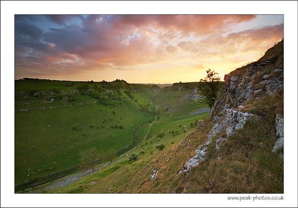 Lathkill Sunset by richardwheel