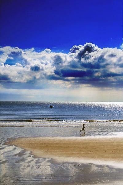 Beach Run by dynexclick