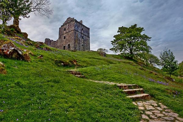 Carnassarie Castle by munchonu