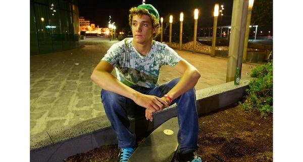 night skater by avisuali