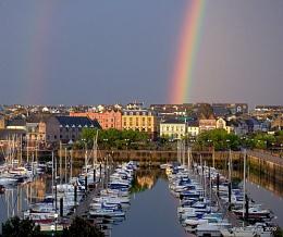 *** Rainbow's End ***