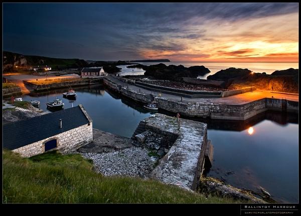 Ballintoy Harbour by garymcparland