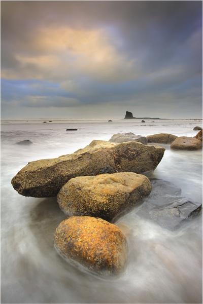 Saltwick Boulders by iansnowdon