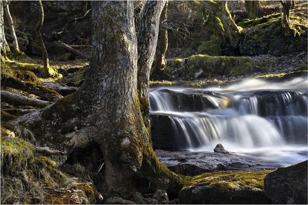 \'Keld\' Waterfall by iansnowdon