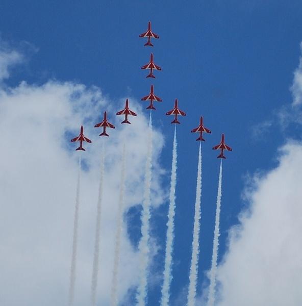 Red Arrows, RIAT 2009 by mrfmilo
