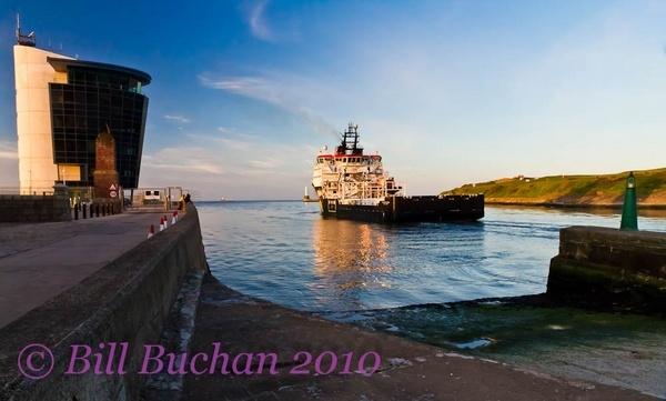 Leaving Aberdeen Harbour by w11buc