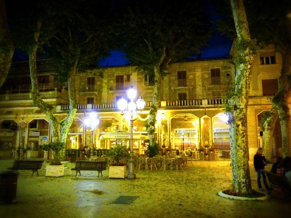 Italian Night Life - very quiet..... by kittlekottage