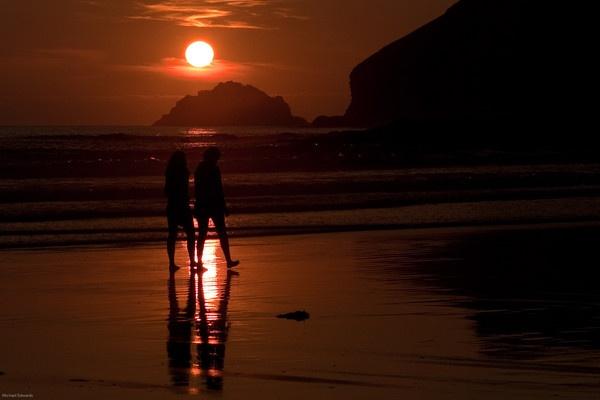 A quiet stroll at sundown by MasterChief