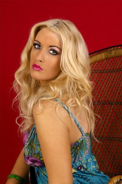 blonde stunner by chubs