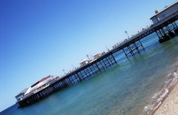 Cromer Pier by RoxyMoo