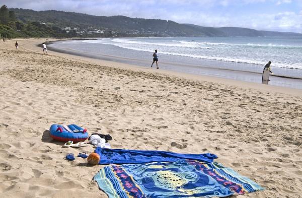 Lorne Beach Victoria by scheery