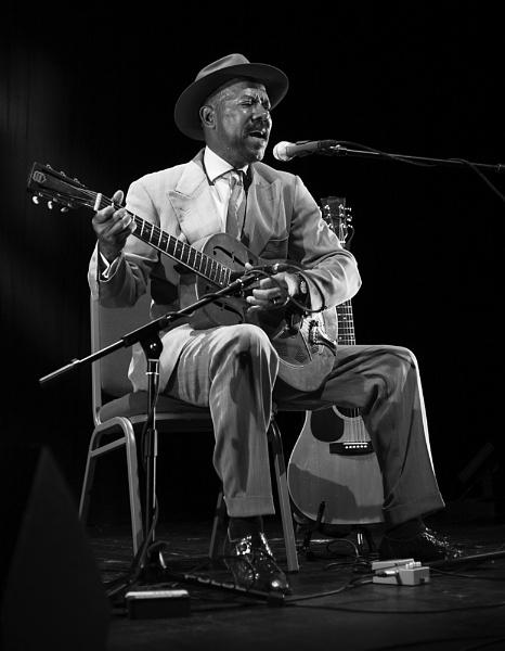 Singing The Blues by Nigel_95