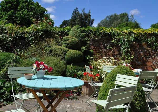 English Tea garden by Lynx08
