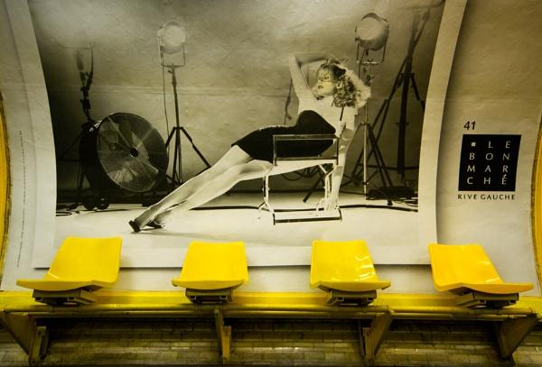Paris Metro by Strobe
