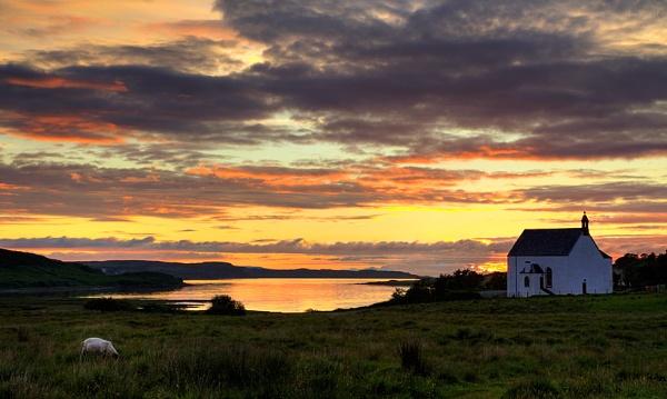 Loch Snizort sunset by treblecel