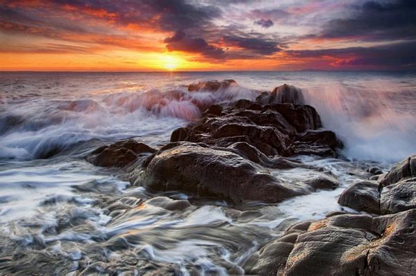 Stormy seascape by treblecel