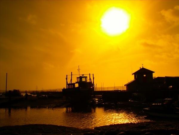 Burning Sun by EventHorizon