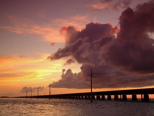 stormy sunset by jpenaloz