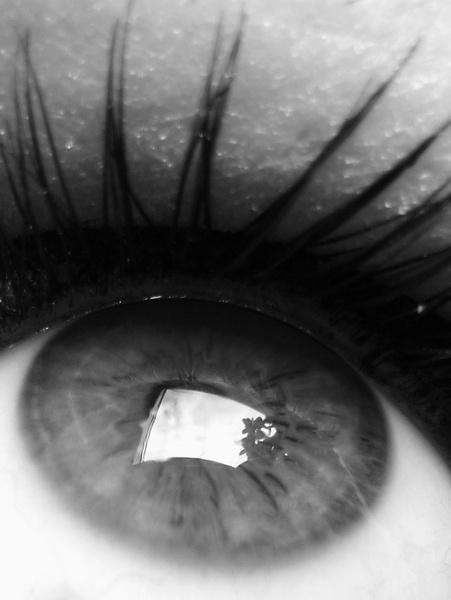 my eye by RoxanaAdina