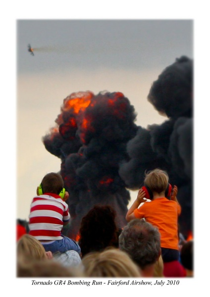 two little boys - fairford airshow 2010 by mogseyboy