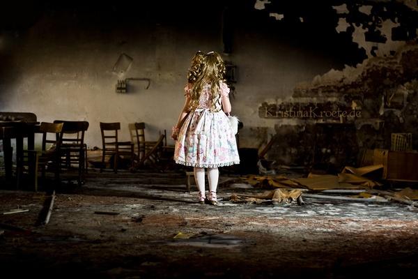 Lolita Lost II by KristinaKroete