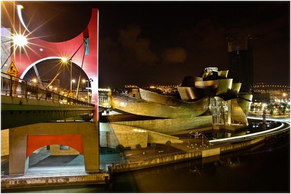 Guggenheim (Bilbao) by tinemazgon