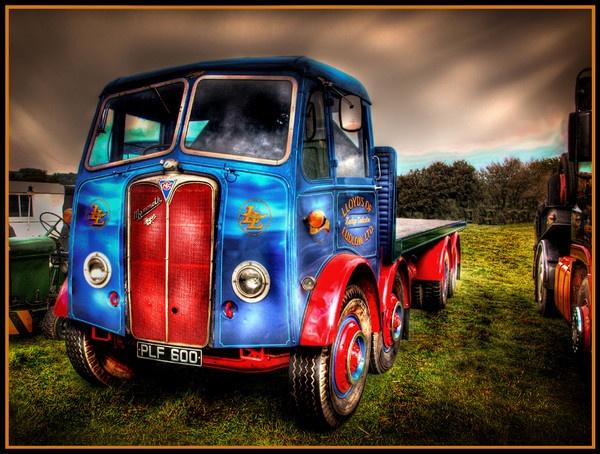 Vintage Truck HDR by pauldawn