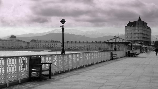 llandudno pier by hughsey
