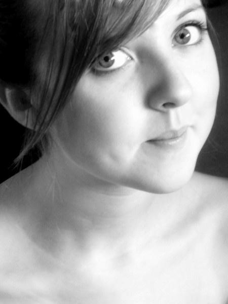 Portrait by Lizzie_x