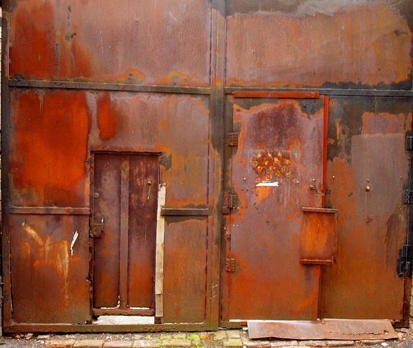 Rusty gates by imagio