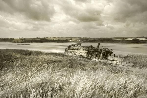 Boat grave yard Purton by Sloman