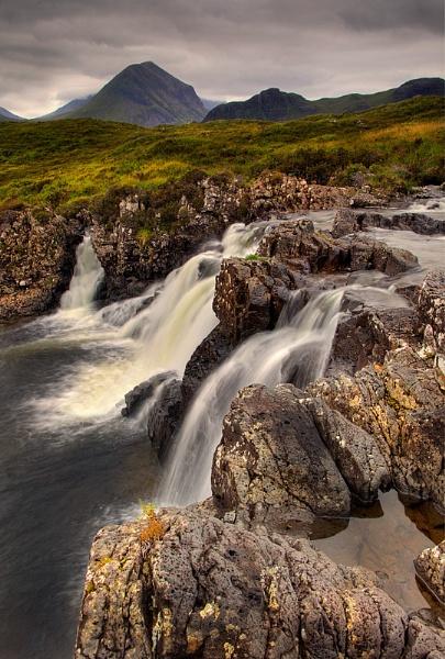 Allt dearg mor waterfall by treblecel
