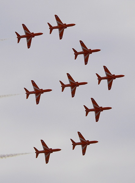 Red Arrows Today by chensuriashi