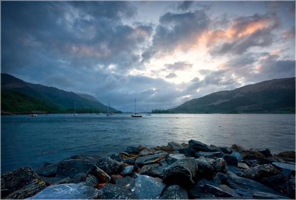 Loch Leven. by Sconz