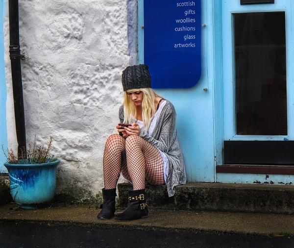 Texting by treblecel