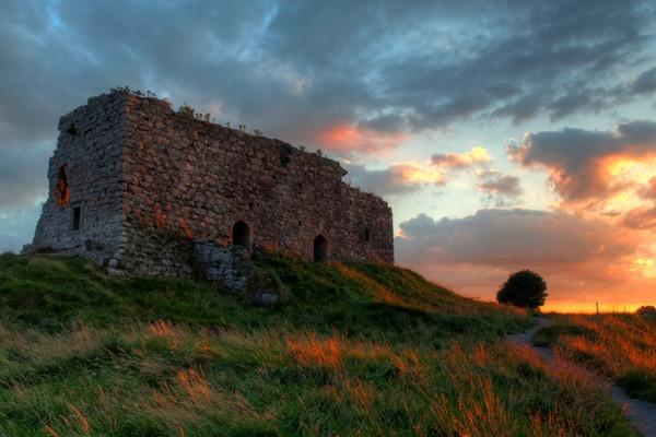 Castle on the Rock by Beladd